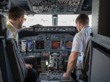 パイロット訓練生の一日|エアラインパイロットまでの道のり